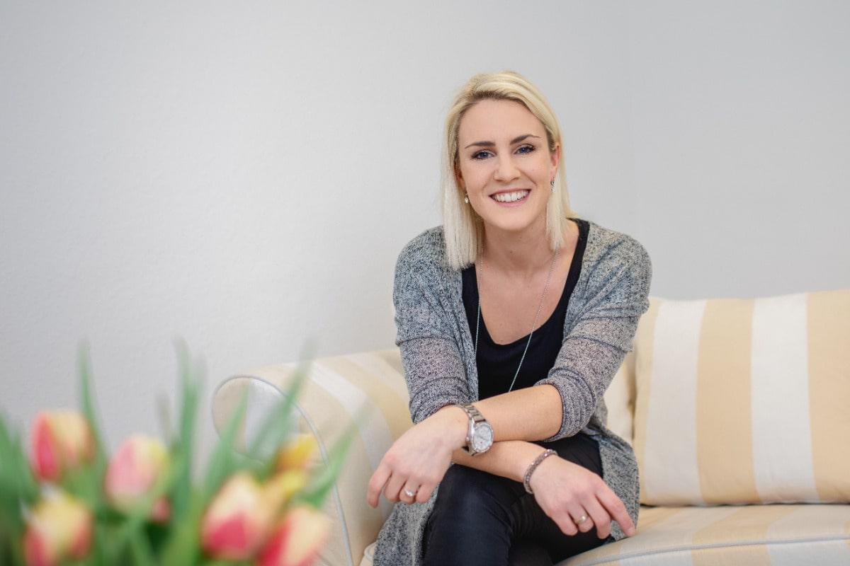 Mitarbeiterin der Psychotherapeutischen Praxis Marén Schmidt, Sekretariat und Empfang